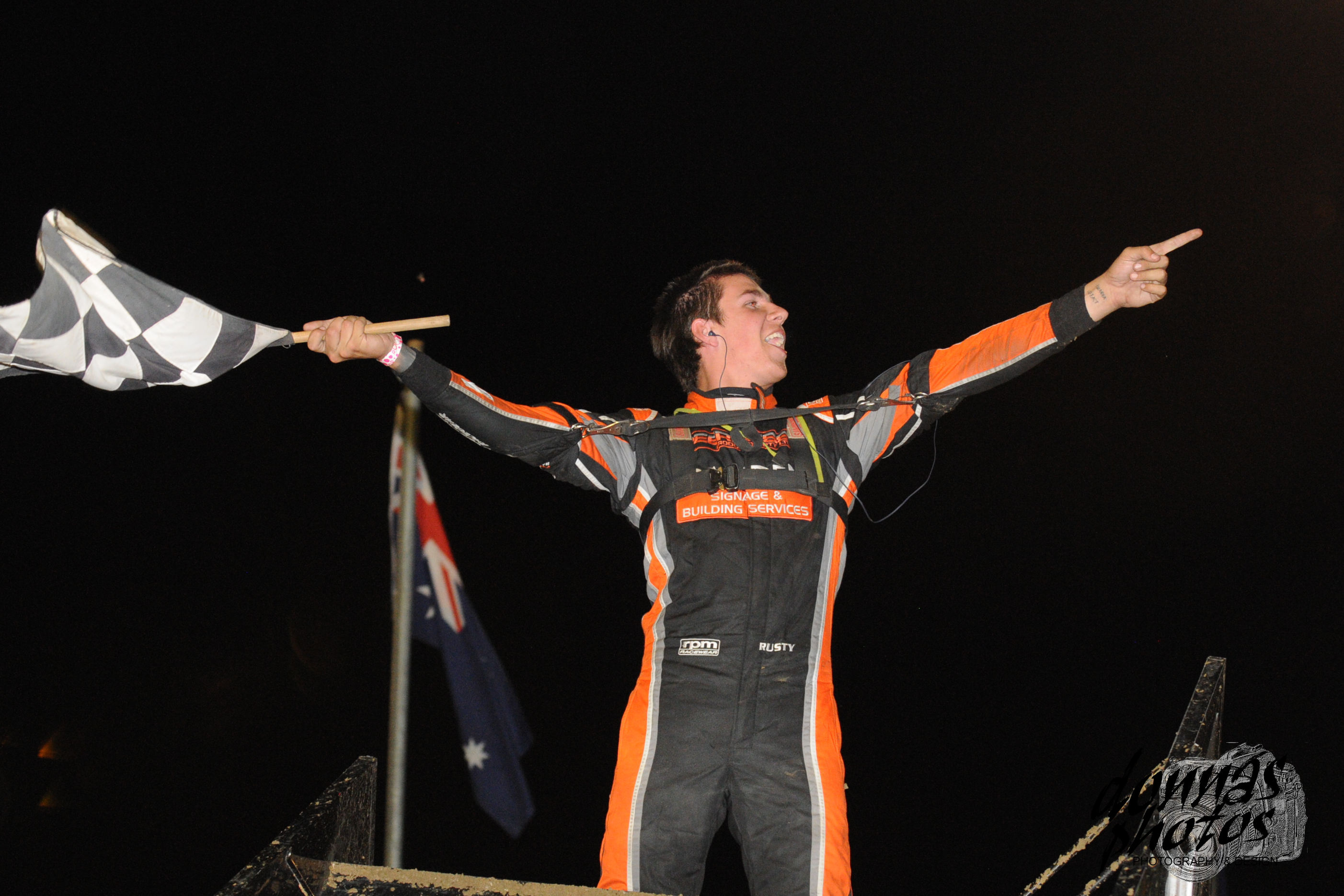 On a cool night Hickman sets a hot pace to take a maiden title win